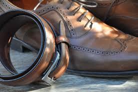 klasyczne buty, dodatki